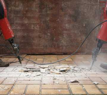 Как производить ремонт тротуарной плитки, брусчатки